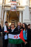 Roma 2 Marzo 2012.Esposta in Campidoglio la foto di Rossella Urru,la cooperante di 29 anni rapita da oltre quattro mesi in un campo profughi saharawi a Tindouf  nel sud dell'Algeria in un campo profughi Saharawi, assieme ad altri due volontari spagnoli. per mano di  terroristi..La consigliera comunale di Sel Gemma Azuni e Isabella Rauti con due rappresentanti del popolo Saharawi