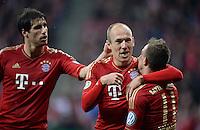 FUSSBALL  DFB-POKAL  HALBFINALE  SAISON 2012/2013    FC Bayern Muenchen - VfL Wolfsburg            16.04.2013 Torjubel nach dem 2:0: Javier Martinez, Arjen Robben und Xherdan Shaqiri (v.l., alle FC Bayern Muenchen)