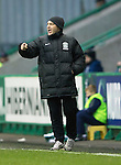 Hibs v St Johnstone....21.12.13    SPFL<br /> Maurice Malpas shouts instructions<br /> Picture by Graeme Hart.<br /> Copyright Perthshire Picture Agency<br /> Tel: 01738 623350  Mobile: 07990 594431