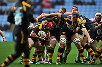 George Smith of Wasps in possession. Aviva Premiership match, between Wasps and Gloucester Rugby on November 8, 2015 at the Ricoh Arena in Coventry, England. Photo by: Patrick Khachfe / Onside Images
