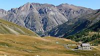 Col de la Cayolle, valico alpino francese nelle Alpi Marittime.<br /> Col de la Cayolle, mountain pass in the French Maritime Alps.