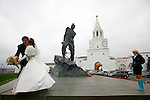 Photo by Heathcliff Omalley..Kazan 2 November 2007.Wealthy Russian Newly weds celebrate outside the walls of the old Kremlin in Kazan, the capital of the oil rich region of Tartarstan. Statistics show that the Russian Muslims population could overtake the Christian Orthodox in the next thirty years.