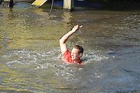 FIERLJEPPEN: VLIST: 22-08-2015, NK Fierljeppen/Polstokverspringen, winnaar Jaco de Groot (heren) 20.25m, ©foto Martin de Jong
