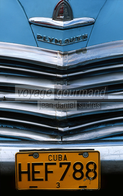 Cuba/La Havane: Détail vieilles voitures américaines sur le Malecon - Calendre