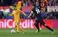 FUSSBALL CHAMPIONS LEAGUE  SAISON 2015/2016 VIERTELFINAL RUECKSPIEL Atletico Madrid - FC Barcelona       13.04.2016 Lionel Messi (li, Barca) gegen Gabi (re, Atletico Madrid)