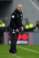 FUSSBALL   1. BUNDESLIGA   SAISON 2012/2013    31. SPIELTAG Bayer 04 Leverkusen - SV Werder Bremen                  27.04.2013 Trainer Thomas Schaaf (SV Werder Bremen)  an der Seitenlinie