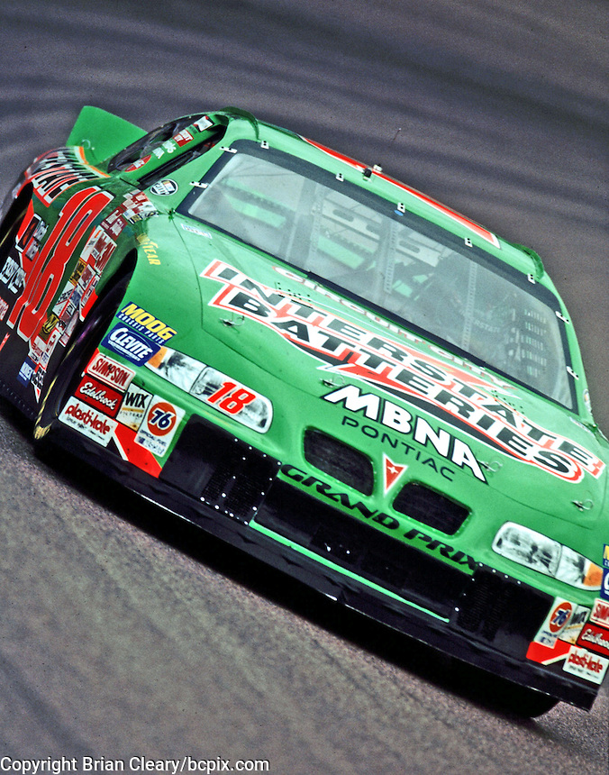 Bobby Labonte races through the second turn at Phoenix International Raceway in November 2000.(Photo by Brian Cleary/www.bcpix.com)