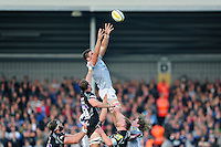 Charlie Ewels of Bath Rugby wins the ball at a lineout. Aviva Premiership match, between Exeter Chiefs and Bath Rugby on October 30, 2016 at Sandy Park in Exeter, England. Photo by: Patrick Khachfe / Onside Images