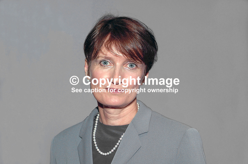 Tessa Jowell, MP, cabinet minister, Labour Party, Britain, UK, 200110013593..Copyright Image from Victor Patterson, 54 Dorchester Park, Belfast, UK, BT9 6RJ..Tel: +44 28 9066 1296.Mob: +44 7802 353836.Voicemail +44 20 8816 7153.Skype: victorpattersonbelfast.Email: victorpatterson@mac.com.Email: victorpatterson@ireland.com (back-up)..IMPORTANT: If you wish to use this image or any other of my images please go to www.victorpatterson.com and click on the Terms & Conditions. Then contact me by email or phone with the reference number(s) of the image(s) concerned.