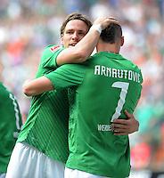 FUSSBALL   1. BUNDESLIGA   SAISON 2011/2012    3. SPIELTAG SV Werder Bremen - SC Freiburg                             20.08.2011 Jubel nach dem 3:2: Clemens FRITZ (li) und Marko ARNAUTOVIC (re, beide Bremen)