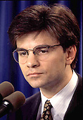 White House Director of Communications George Stephanopoulos holds a press briefing at the White House in Washington, DC on February 12, 1993.<br /> Credit: Ron Sachs / CNP