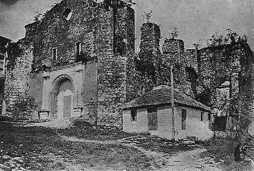 Ruinas de la Iglesia y Convento de San Francisco. Revista La Cuna de América. Mayo 13, 1913. © Luis Mañón