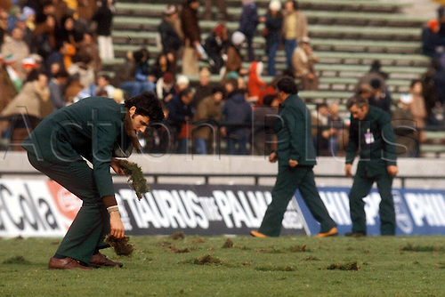 03.06.1978 Groundskeepers repair the terrible conditions on the pitch at the Mar del Plata Estadio which caused such consternation with players from all countries