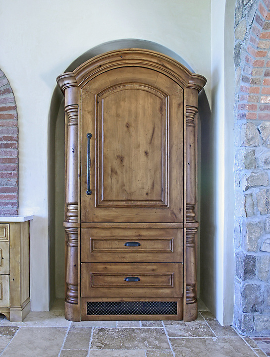 armoire gregory watson. Black Bedroom Furniture Sets. Home Design Ideas