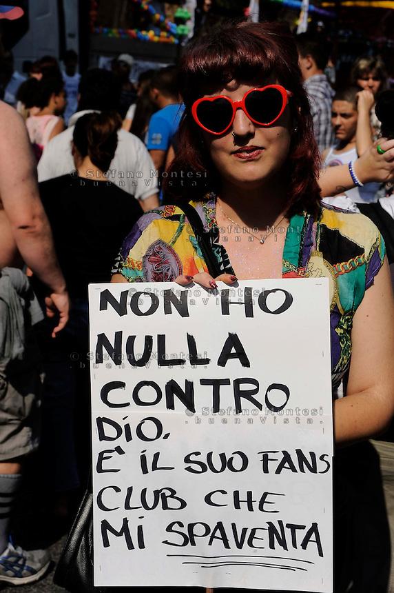 Roma 3 Luglio 2010.GayPride 2010.La Sfilata del Gay pride, la giornatà dell' orgoglio omossessuale per le vie della città.