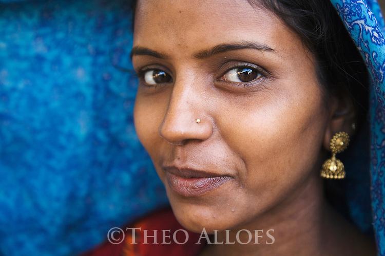 Beautiful Gujarat girl in a small village near the Little Rann of Kutch; portrait, Gujarat, India --- Model Released