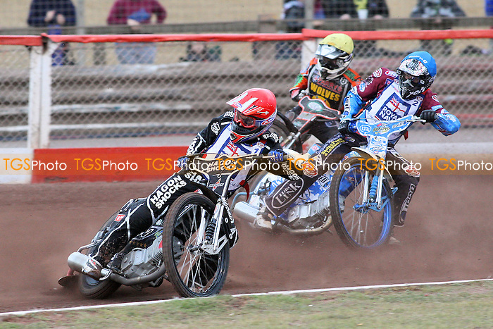 Heat 6: Lee Richardson (red), Kauko Nieminen (blue) and Joe Haines - Lakeside Hammers vs Wolverhampton Wolves - Elite League Speedway at Arena Essex Raceway - 16/05/11 - MANDATORY CREDIT: Gavin Ellis/TGSPHOTO - Self billing applies where appropriate - Tel: 0845 094 6026