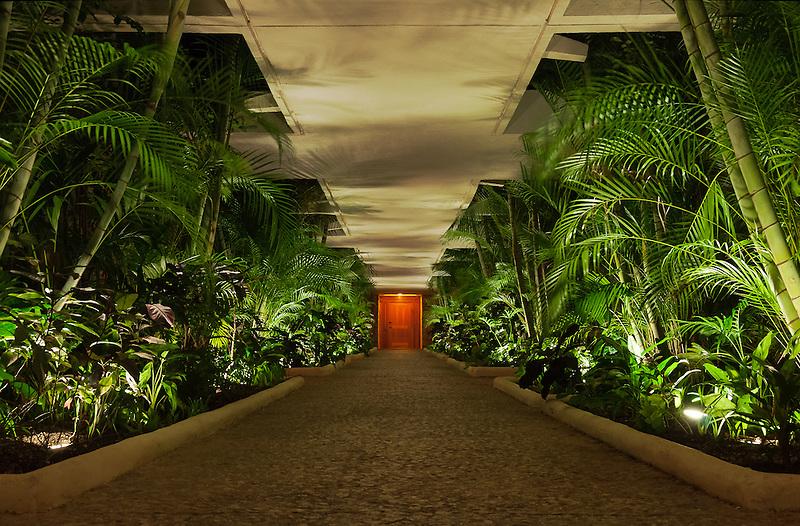 Corridor Tropicalis<br /> Intercontinental Presidente<br /> Cozumel, Mexico