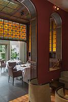 Europe/Belgique/Flandre/Flandre Occidentale/Bruges: Restaurant: Patrick Devos, salle à manger Art Déco  // Belgium, Flanders, Bruges, Restaurant: Patrick Devos, Art Deco dining room