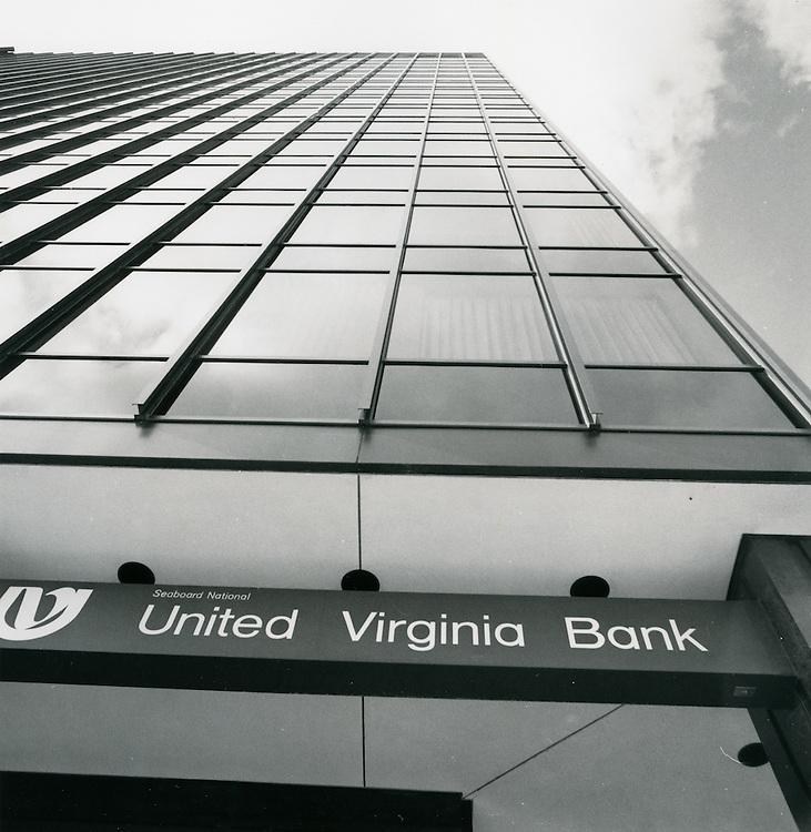 1970 July 20..Redevelopment...Downtown South (R-9)..United Virginia Bank building..Millard Arnold.NEG# MDA70-85-2.NRHA#..