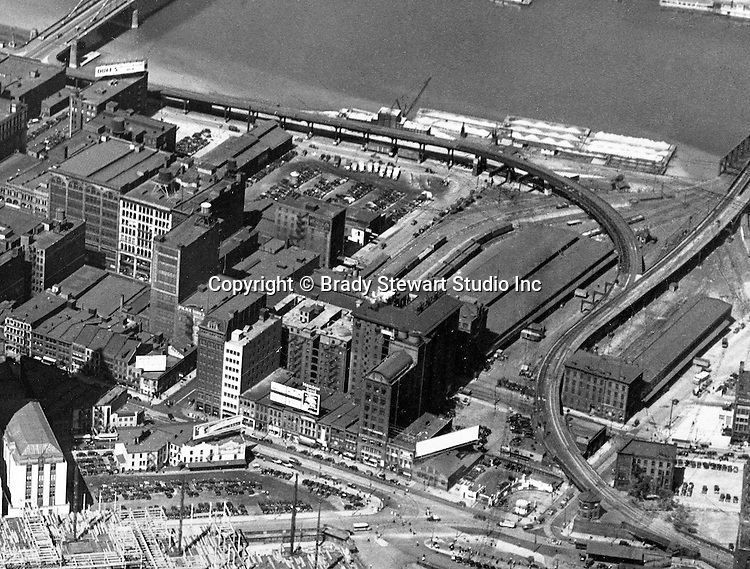 Pittsburgh PA:  Aerial view of the upper side of Liberty and Penn Avenues in Pittsburgh - 1932.