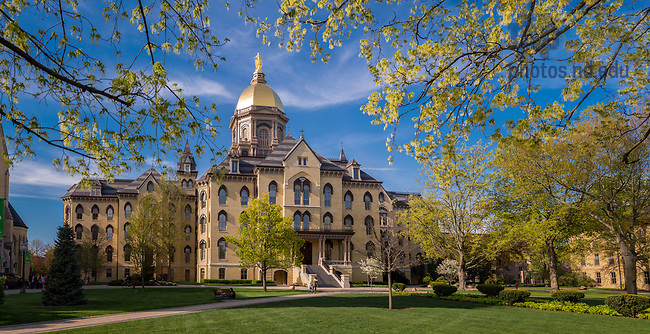 April 22, 2017; Main Building Spring 2017 (Photo by Matt Cashore/University of Notre Dame)