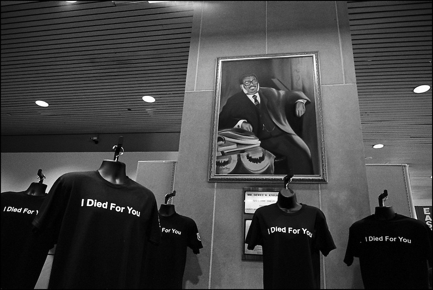 I died for you<br /> From &quot;Miami in Black and White&quot; series. Miami, FL, 2009