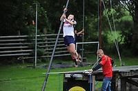 FIERLJEPPEN: IT HEIDENSKIP: 29-06-2016, 1e klasse wedstrijd fierleppen, afgelast wegens regen, Inge Demmer, ©foto Martin de Jong
