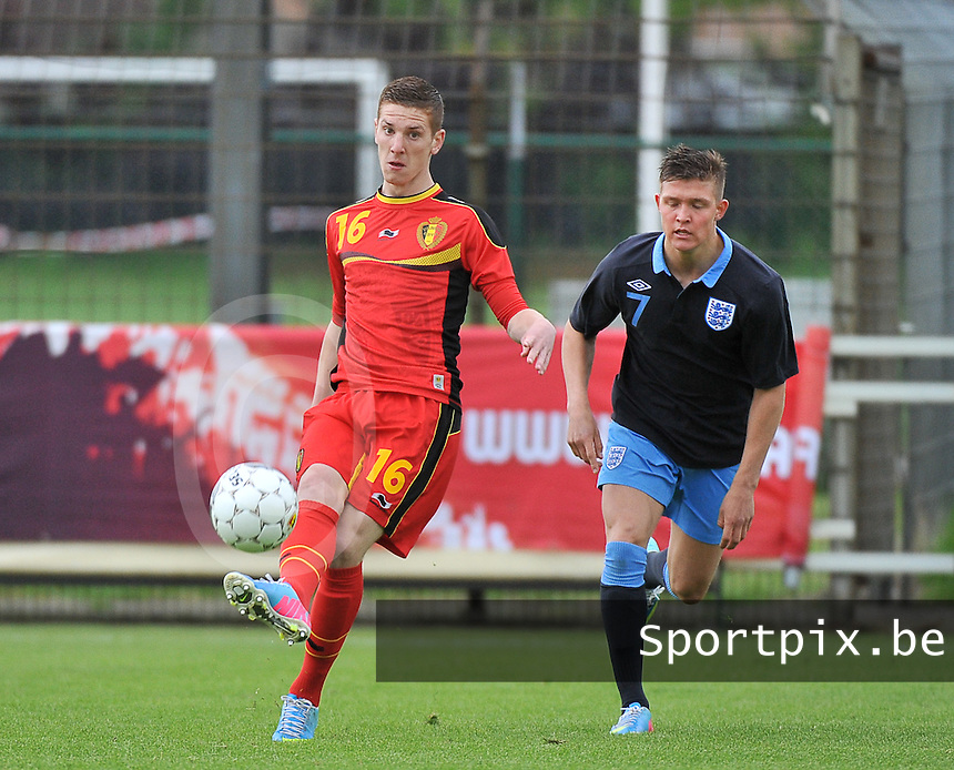 Belgium U19 - England U19 : Gianni De Neve (16) and Maximilian Clayton (7).foto DAVID CATRY / Nikonpro.be