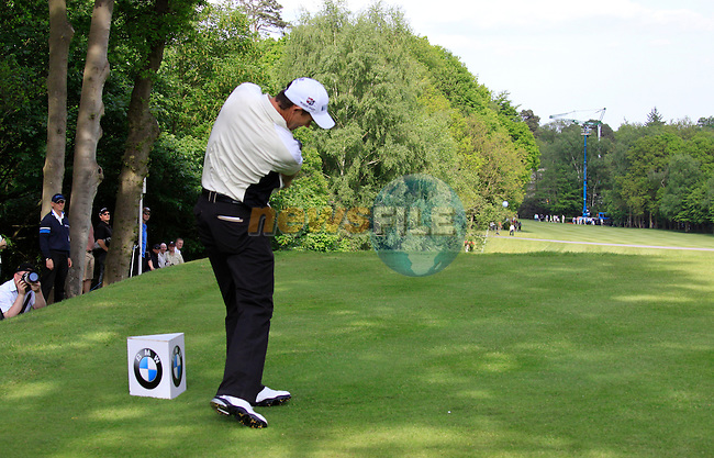 Padraig Harrington tees off on the 17th tee during Round 2 of the BMW PGA Championship at  Wentworth, Surrey, England...Photo Golffile/Eoin Clarke.(Photo credit should read Eoin Clarke www.golffile.ie)....This Picture has been sent you under the condtions enclosed by:.Newsfile Ltd..The Studio,.Millmount Abbey,.Drogheda,.Co Meath..Ireland..Tel: +353(0)41-9871240.Fax: +353(0)41-9871260.GSM: +353(0)86-2500958.email: pictures@newsfile.ie.www.newsfile.ie.