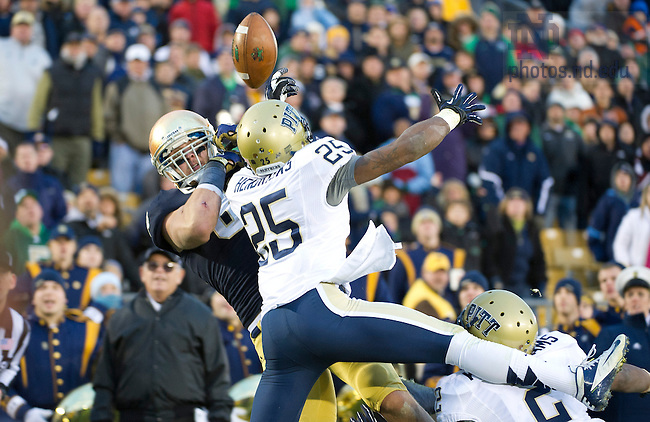 Nov. 3, 2012; Pittsburgh defensive back Jason Hendricks breaks up a pass intended for tight end Tyler Eifert during the fourth quarter. Photo by Barbara Johnston/University of Notre Dame