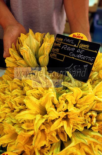 Europe/France/Provence-Alpes-Côtes d'Azur/06/Alpes-Maritimes/Cannes: Le marché Forville - Détail étal fleurs de courgettes