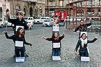 Flash mob studenti burattini