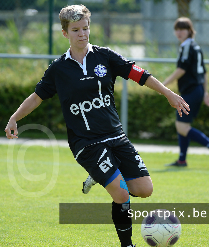 20150801 - WESTKAPELLE , BELGIUM : Gent's Annelien Van Gansbeke  pictured during a friendly soccer match with the women team of AA Gent Ladies , during the preparation for the 2015-2016 SUPERLEAGUE season, Saturday 1 August 2015 . PHOTO DAVID CATRY