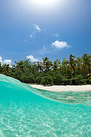 Split level <br /> Honeymoon Beach<br /> Virgin Islands National Park<br /> St. John<br /> U.S. Virgin Islands