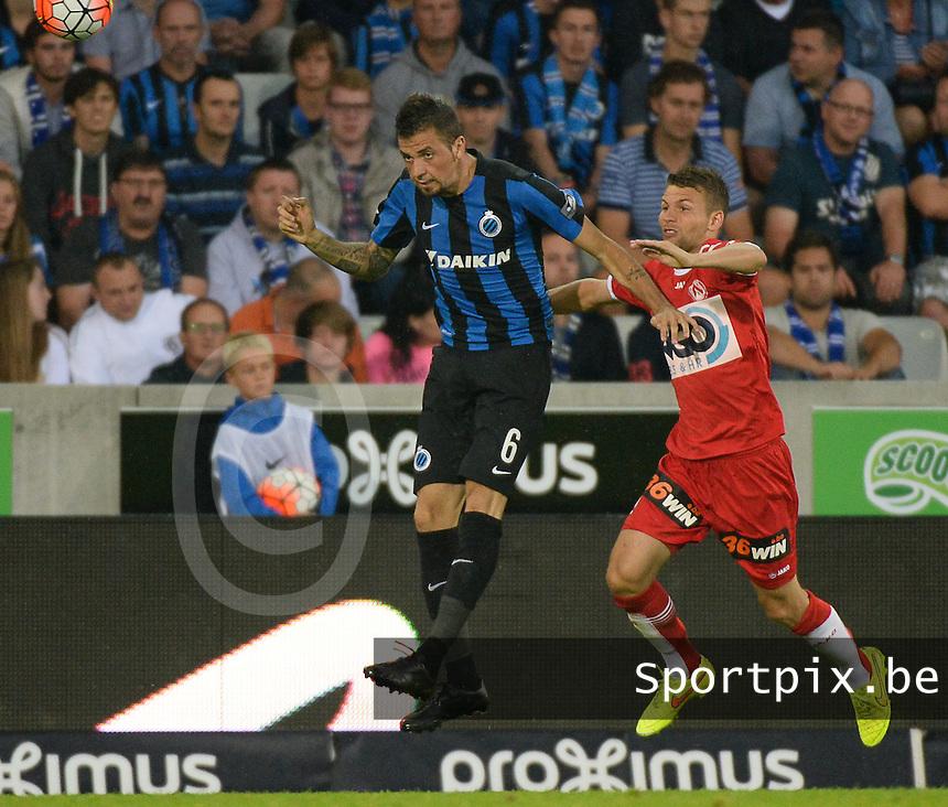 Club Brugge - KV Kortrijk : Claudemir en Lukas Van Eenoo (r) <br /> Foto VDB / Bart Vandenbroucke