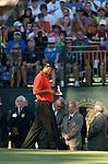 Tiger WOODS (USA) studiert seine Notes, 4.Runde, 88th PGA Championship Golf, Medinah Country Club, IL, USA