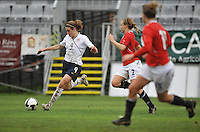 Heather O'Reilly vs a Norway during the Algarve Cup 2010.