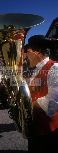 Europe/France/Alsace/67/Bas-Rhin/Krautergersheim : Fête de la choucroute-Musicien de la Fanfare [Non destiné à un usage publicitaire - Not intended for an advertising use]