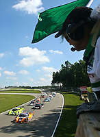 21 June 2009: The green flag waves at the start of the EMCO Gears Road Racing Classic at Mid-Ohio Spotts Car Course ini Lexington, OH.