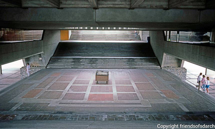 Vancouver: Simon Fraser University. Image 3.  Photo '86.