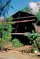 Philippines: Agoo--Philippines old house. Photo '82.