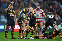 Joe Simpson of Wasps passes the ball. Aviva Premiership match, between Wasps and Gloucester Rugby on November 8, 2015 at the Ricoh Arena in Coventry, England. Photo by: Patrick Khachfe / Onside Images