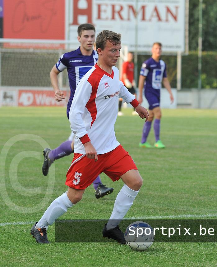 SV Oostkamp :<br /> Jannes Samyn<br /> foto VDB / BART VANDENBROUCKE