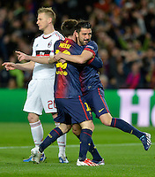 FUSSBALL  CHAMPIONS LEAGUE  ACHTELFINALE  RUECKSPIEL  2012/2013      FC Barcelona  - AC Mailand      13.03.2013 JUBEL Barca ;  David Villa (re) umarmen  Torschuetze zum 1-0 Lionel Messi, Ignazio Abate (hinten, AC Mailand) enttaeuscht