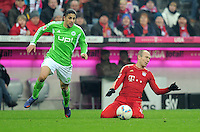 FUSSBALL   1. BUNDESLIGA  SAISON 2011/2012   19. Spieltag FC Bayern Muenchen - VfL Wolfsburg      28.01.2012 Ricardo Rodriguez (li, VfL Wolfsburg) gegen Arjen Robben (FC Bayern Muenchen)