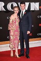 LONDON, UK. November 1, 2016: Matt Smith &amp; Claire Foy at the World Premiere of the Netflix series &quot;The Crown&quot; at the Odeon Leicester Square, London.<br /> Picture: Steve Vas/Featureflash/SilverHub 0208 004 5359/ 07711 972644 Editors@silverhubmedia.com