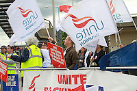 London, UK, 30 May 2010: British Airways Unite union cabin crew have started a second five-day strike as their dispute centred on pay, jobs and conditions continues.  For piQtured Sales contact: Ian@piqtured.com Tel: +44(0)791 626 2580 (Picture by Richard Goldschmidt/Piqtured)