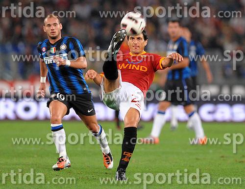 25.09.2010, Stadio Olim, Roma, ITA, Serie A, AS Rom vs Inter Mailand, im Bild nicolas burdisso (roma).EXPA Pictures © 2010, PhotoCredit: EXPA/ InsideFoto/ Massimo Oliva +++++ ATTENTION - FOR AUSTRIA AND SLOVENIA CLIENT ONLY +++++.. / SPORTIDA PHOTO AGENCY