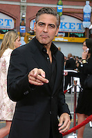 "George Clooney .""Ocean's Thirteen"" Los Angeles Premiere.Gruman's Chinese Theater.Los Angeles, CA.June 5, 2007.©2007 Kathy Hutchins / Hutchins Photo...."